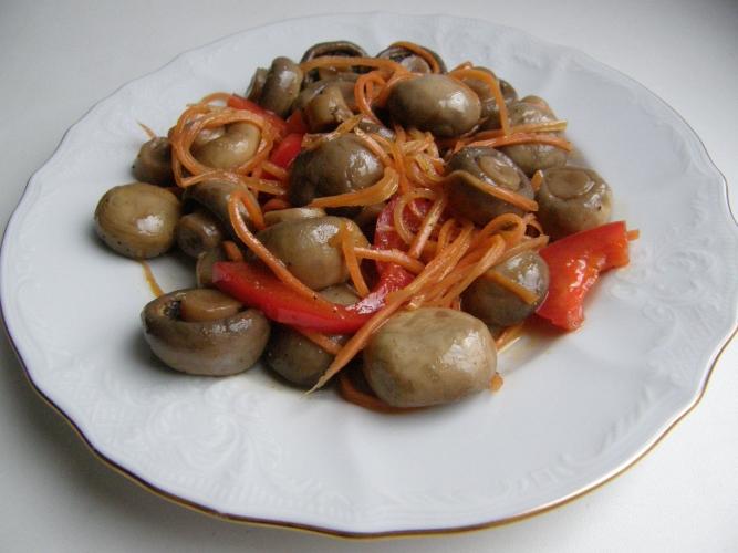 Горячий салат из морепродуктов